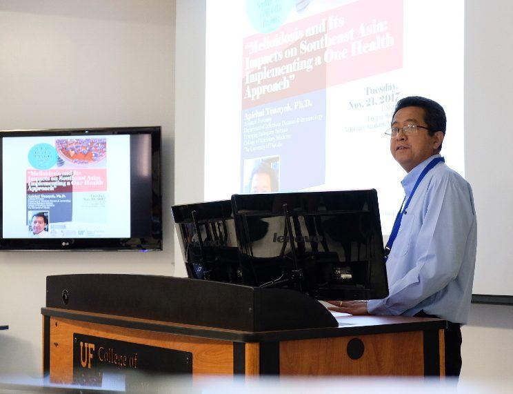 Dr. Apichai Tuanyok delivers a lecture
